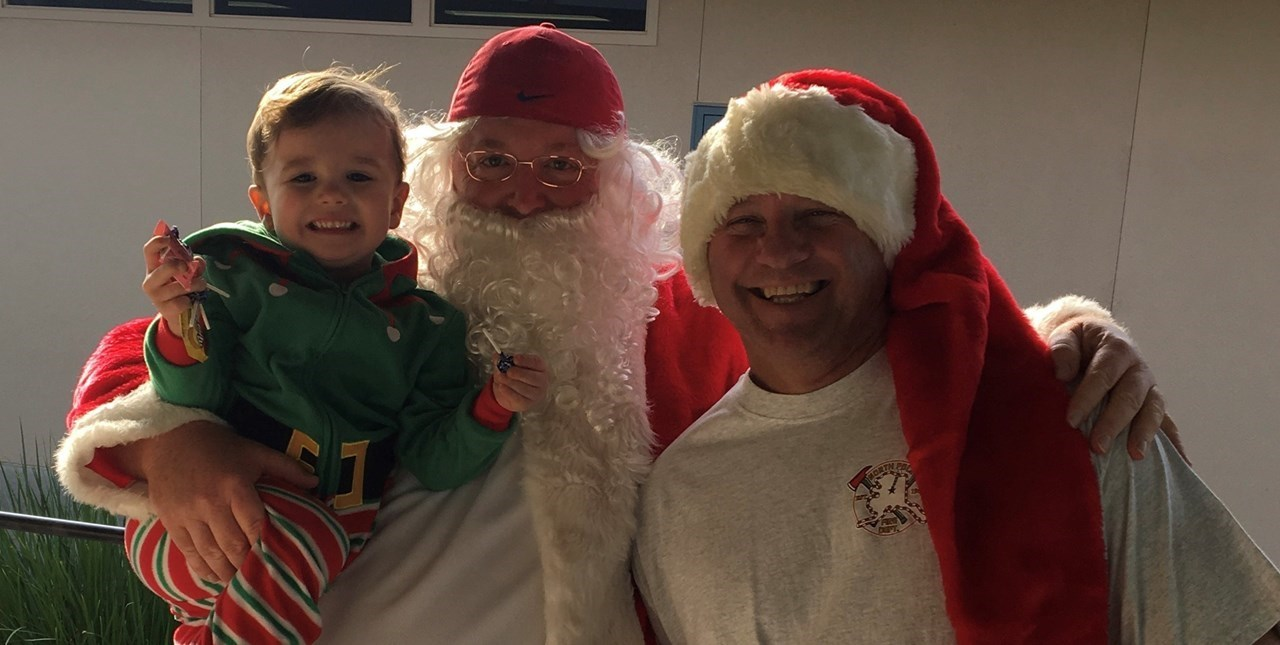 Santa Comes to Cole
